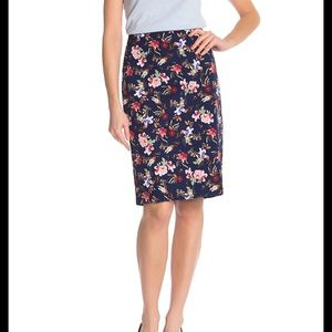 Philosophy Pencil Skirt size 4 NWT
